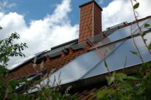 Solarthermie und Photovoltaik - © Klaus-Uwe Gerhardt/pixelio.de